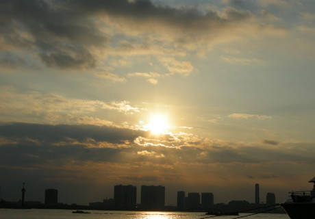 Sunup_at_the_bay