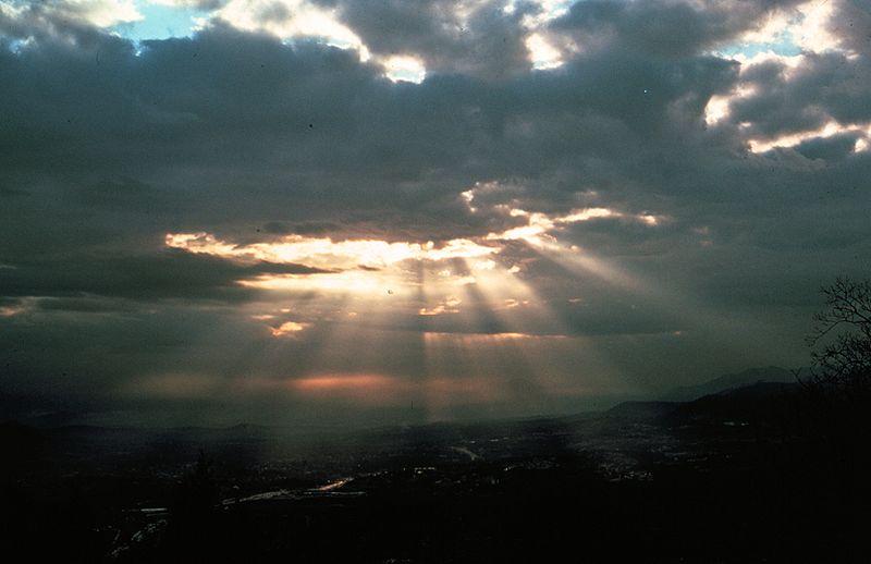 800pxcrepuscular_rays8__noaa